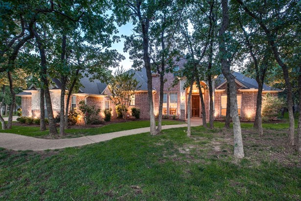 7616 Wooded Acres Trail, Mansfield, TX - USA (photo 1)