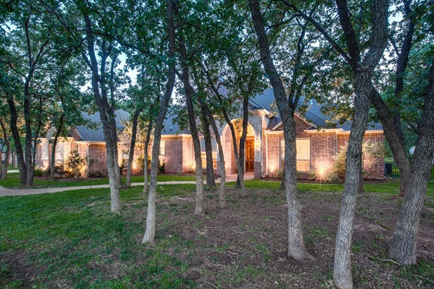 7616 Wooded Acres Trail, Mansfield, TX - USA (photo 3)
