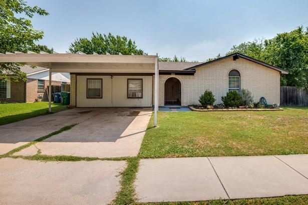 6058 Dunson Drive, Watauga, TX - USA (photo 1)