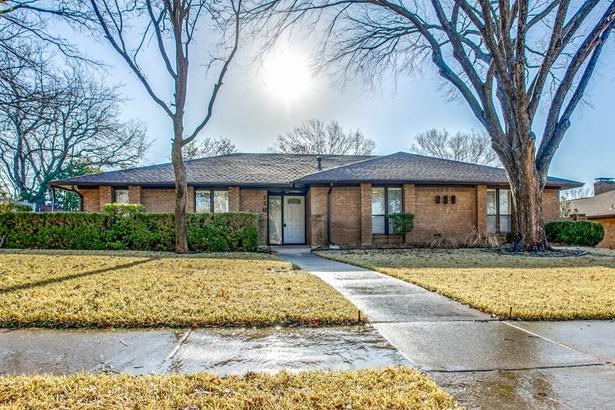 118 La Fawn Circle, Garland, TX - USA (photo 1)