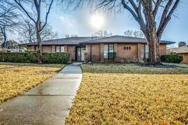 118 La Fawn Circle, Garland, TX - USA (photo 2)