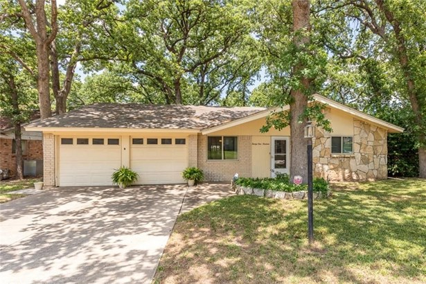 2919 Lisa Lane, Arlington, TX - USA (photo 1)