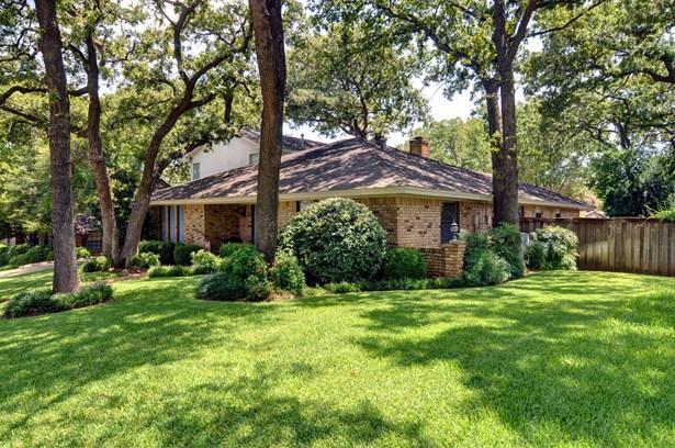 1509 Riverview Drive, Arlington, TX - USA (photo 2)