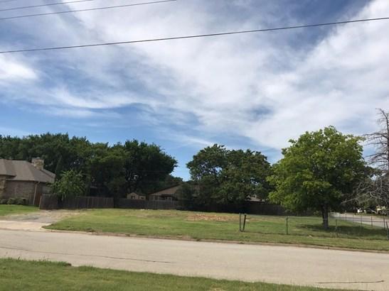 6901 Smithfield Road, North Richland Hills, TX - USA (photo 4)