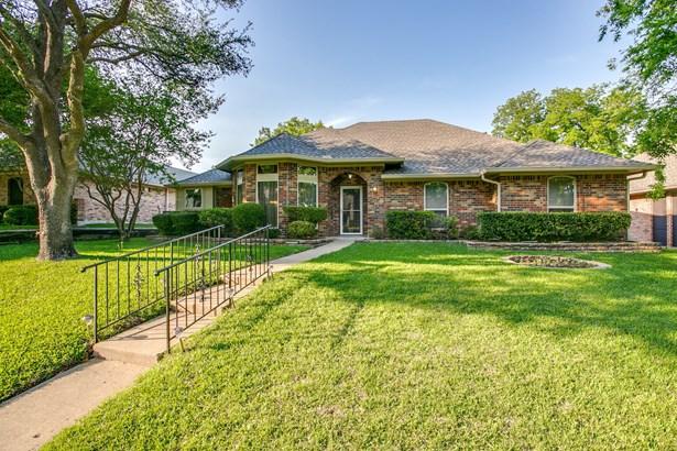 1509 Amesbury Drive, Richardson, TX - USA (photo 2)