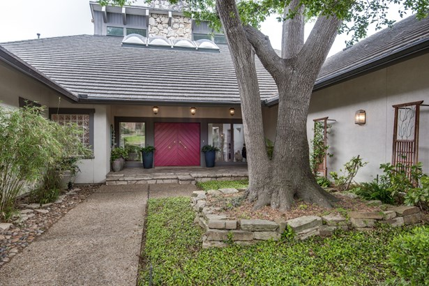 3911 Fox Glen Drive, Irving, TX - USA (photo 1)