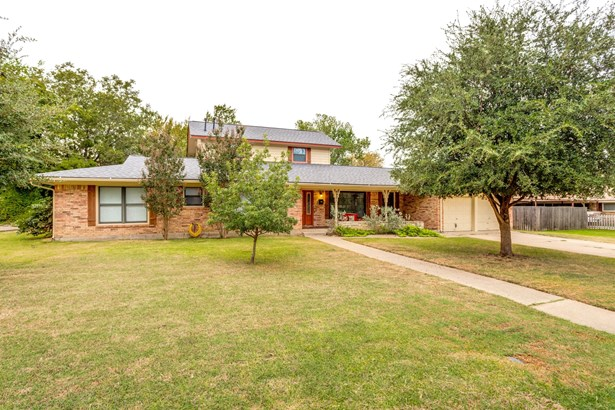 4921 Reynolds Road, North Richland Hills, TX - USA (photo 2)
