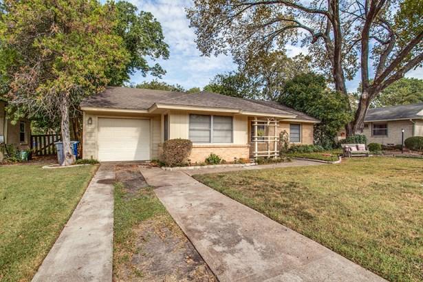 10203 Eastwood Drive, Dallas, TX - USA (photo 2)