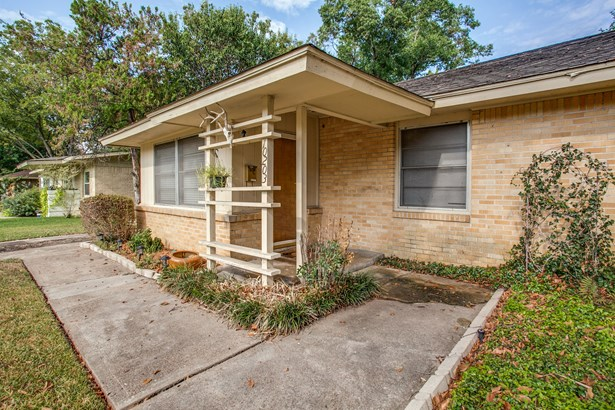 10203 Eastwood Drive, Dallas, TX - USA (photo 4)