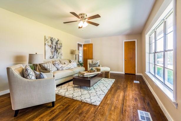 501 N Holly Avenue, Sherman, TX - USA (photo 3)