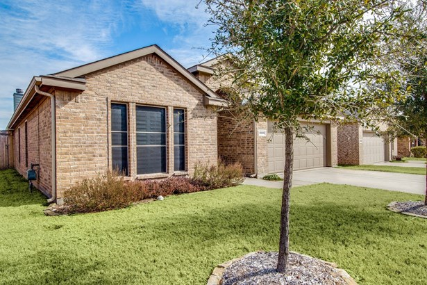 1523 San Carlos Drive, Van Alstyne, TX - USA (photo 2)
