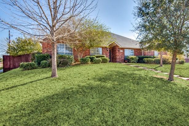 2217 Wren Lane, Lewisville, TX - USA (photo 1)
