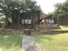 2301 Royal Crest Circle, Garland, TX - USA (photo 2)