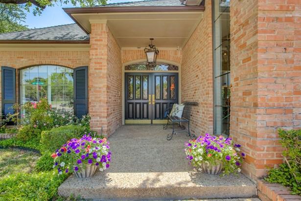6019 Twin Coves Street, Dallas, TX - USA (photo 3)