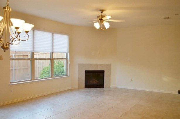 2648 Jacobson Drive, Lewisville, TX - USA (photo 4)