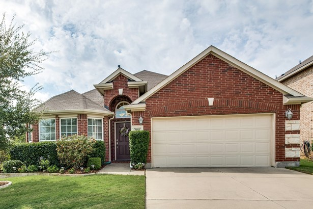 966 Woodrow Drive, Lewisville, TX - USA (photo 2)