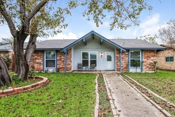 2030 Glencrest Lane, Garland, TX - USA (photo 1)