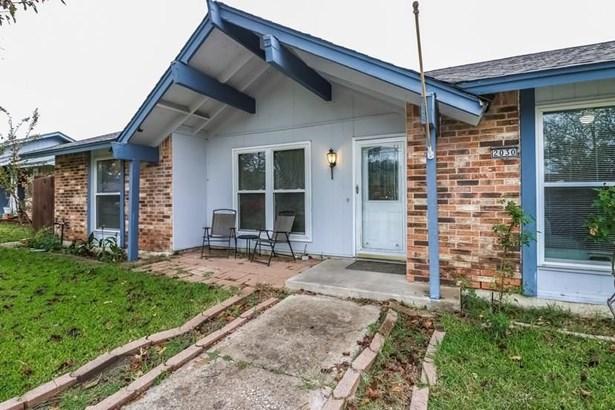 2030 Glencrest Lane, Garland, TX - USA (photo 3)