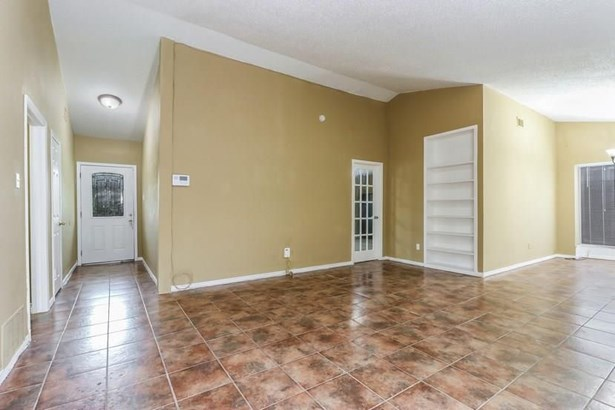 2030 Glencrest Lane, Garland, TX - USA (photo 5)