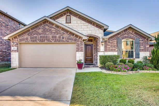 9120 Holliday Lane, Aubrey, TX - USA (photo 1)