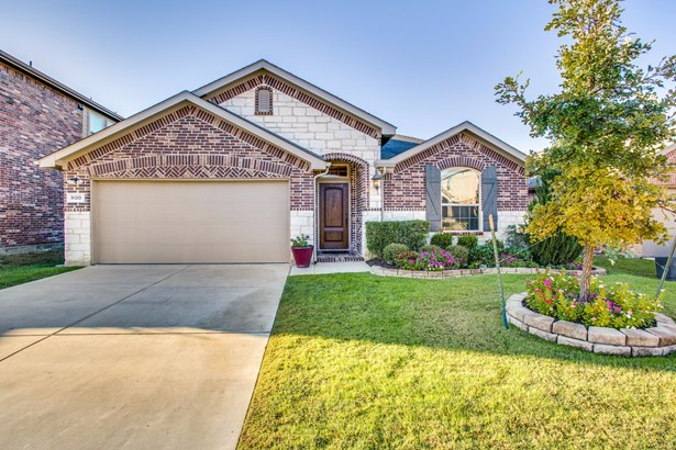 9120 Holliday Lane, Aubrey, TX - USA (photo 2)