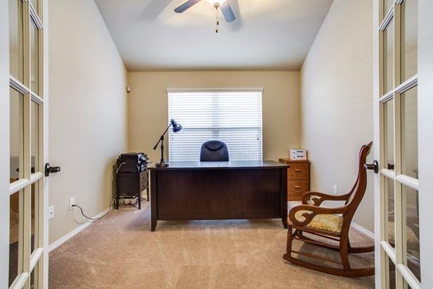 9120 Holliday Lane, Aubrey, TX - USA (photo 5)