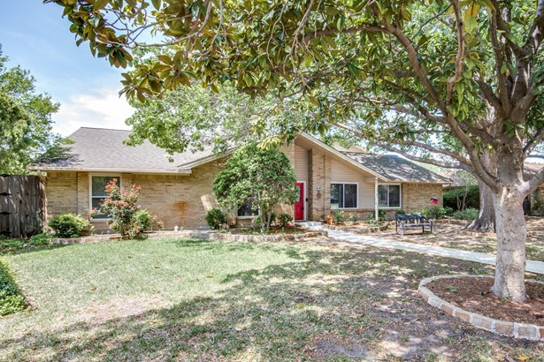 1507 Shannon Court, Carrollton, TX - USA (photo 2)