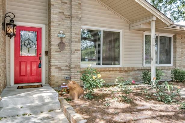 1507 Shannon Court, Carrollton, TX - USA (photo 3)