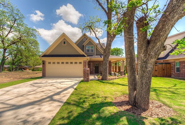 1612 N Bradley Street, Mckinney, TX - USA (photo 2)