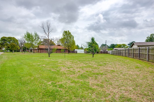 305 Johnson Lane, Krugerville, TX - USA (photo 3)
