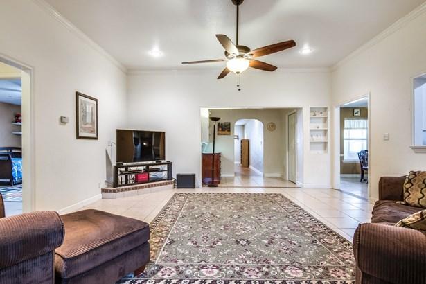 305 Johnson Lane, Krugerville, TX - USA (photo 5)