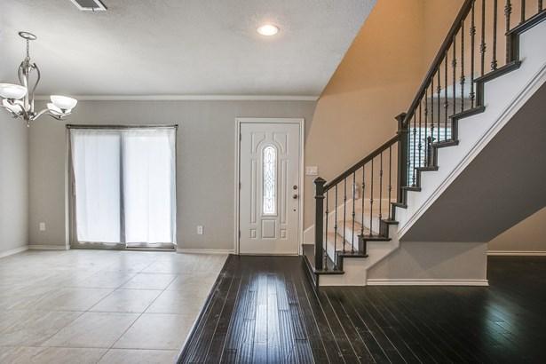 105 One Main Place, Benbrook, TX - USA (photo 3)