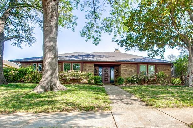 529 Wentworth Drive, Richardson, TX - USA (photo 1)
