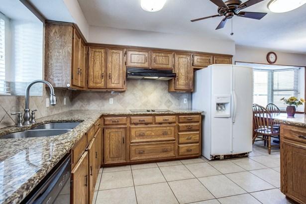 529 Wentworth Drive, Richardson, TX - USA (photo 3)