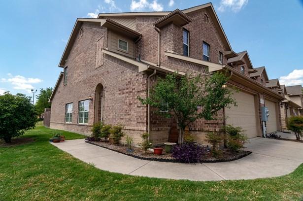 110 Barrington Lane, Lewisville, TX - USA (photo 1)