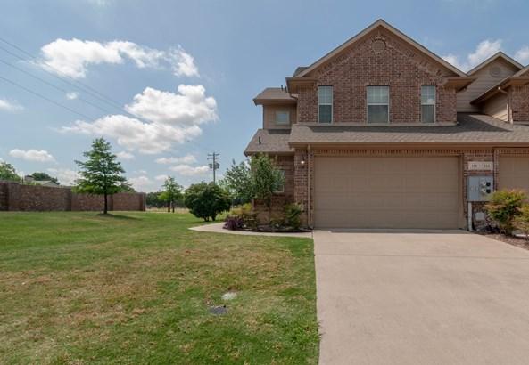 110 Barrington Lane, Lewisville, TX - USA (photo 2)