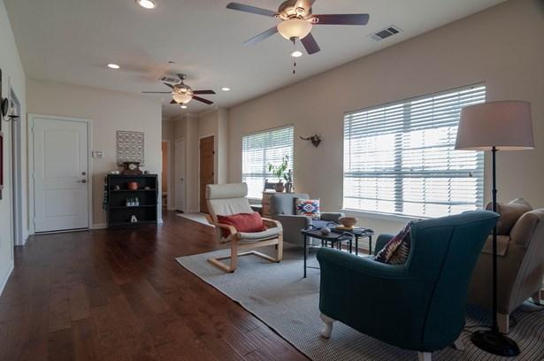 110 Barrington Lane, Lewisville, TX - USA (photo 4)