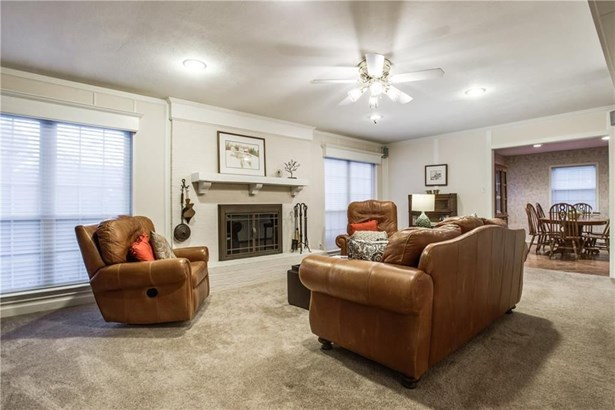 1816 Woodridge Drive, Arlington, TX - USA (photo 4)