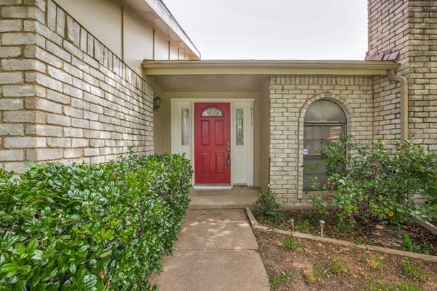 10315 Portrush Drive, Dallas, TX - USA (photo 2)