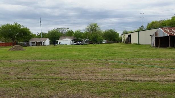 5806 Lyons Road, Garland, TX - USA (photo 1)