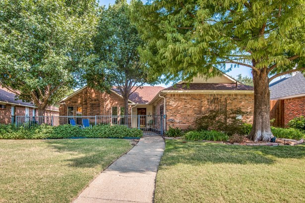 1927 Lavaca Trail, Carrollton, TX - USA (photo 1)