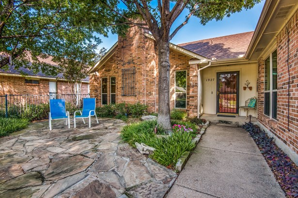 1927 Lavaca Trail, Carrollton, TX - USA (photo 3)