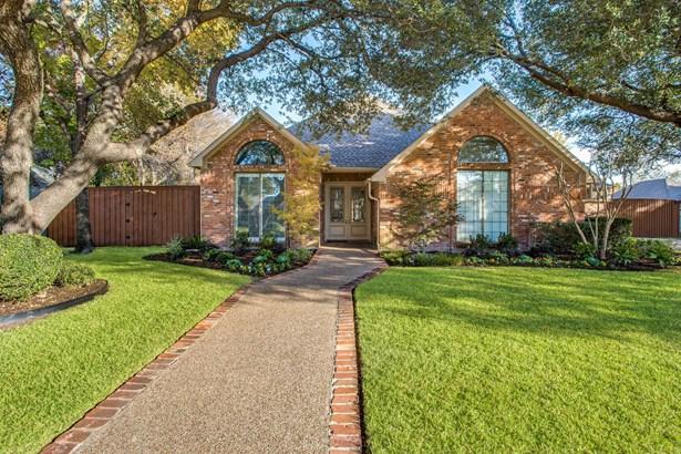 13210 Woodhaven Drive, Farmers Branch, TX - USA (photo 2)