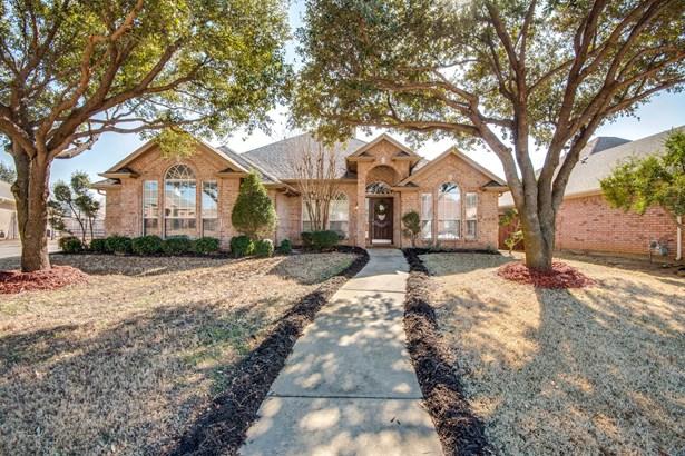 8212 Fin Wood Court, North Richland Hills, TX - USA (photo 1)