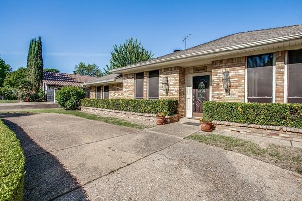 6030 Preston Creek Drive, Dallas, TX - USA (photo 2)
