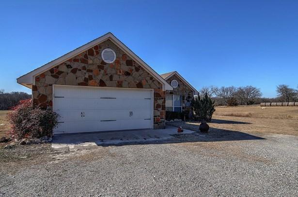 757 Darwin Road, Whitewright, TX - USA (photo 1)