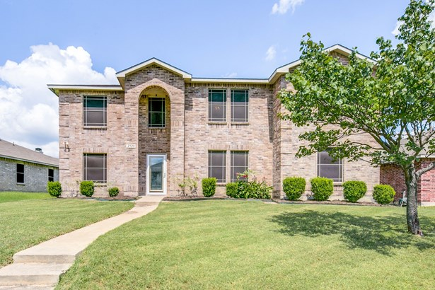 2920 Cottage Lane, Lancaster, TX - USA (photo 1)