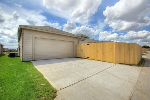 1228 Honeywood, Royse City, TX - USA (photo 2)