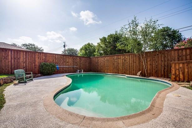 327 Forest Grove Drive, Richardson, TX - USA (photo 2)