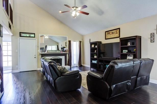427 Wellington Drive, Mesquite, TX - USA (photo 5)